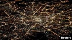 """Вид на ночную Москву. Пока еще не """"Большую"""""""