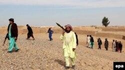 نیروهای محلی پلیس در سنگین؛ ولایت هلمند تحت حملات شدید طالبان قرار دارد