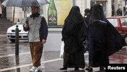 Франциядағы мұсылмандар. Марсель, 24 желтоқсан 2009 жыл. (Көрнекі сурет)