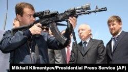 Д.Медведев в учебном центре спецназа Махачкалы. 2009 г.