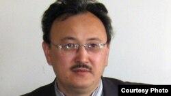 Саят Ибраев, в бытность руководителем алматинского филиала организации «Сеним. Билим. Омир».