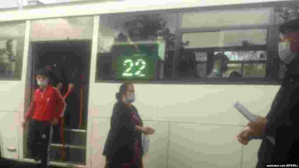 Городской автобус, Ашхабад, февраль 2021 г.
