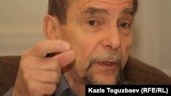 Ресейлік құқық қорғаушы Лев Пономарев. Алматы, 13 желтоқсан 2012 жыл.