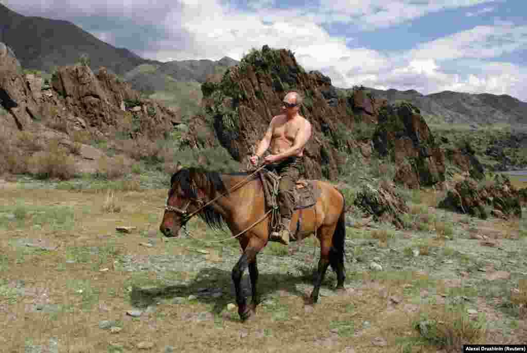Az orosz elnök lovaglás közben 2009 augusztusában.