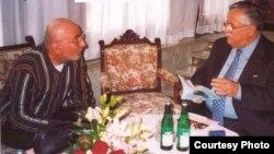 جلال طالباني متحدثا لكاتب هذه السطور عن الجواهري الخالد... في براغ 2005
