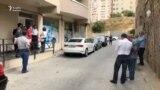 Tərəfdarları İlqar Məmmədovun evinin önünə toplaşır