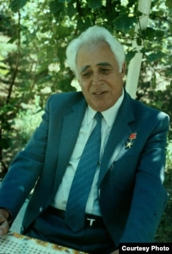 Türkmen kompozitory Welimuhammet Muhadow.