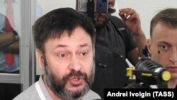 Глава «РИА Новости-Украина» Кирилл Вышинский был доставлен из Киева в Москву в ходе обмена