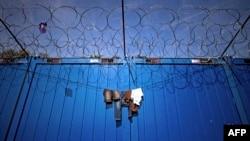 Стена на границе Венгрии с Сербией