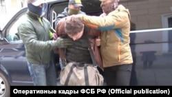 Затримання громадянина України Костянтина Давиденка в Сімферополі (архівне фото)