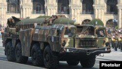9K72 ბალისტიკური რაკეტის ჩვენება სამხედრო აღლუმზე ერევანში