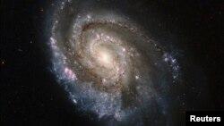 Жаңы табылган галактика Жерден 13 миллиард жылга алыс деп эсептелинүүдө.