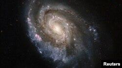 NGC6984 эшилме галактикасы.
