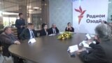 Представители политпартий на круглом столе в редакции Радио Озоди