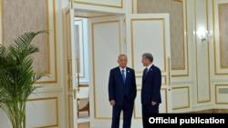 Ислам Каримов менен Алмазбек Атамбаев.