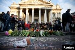 Імпровізований меморіал у Брюсселі пам'яті загиблих унаслідок вибухів