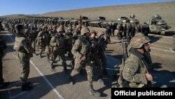 Военные учения в Карабахе (архивная фотография)