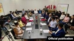 Встреча членов партий «Ата Мекен» и «Реформа». Бишкек. 11 сентября 2021 года.