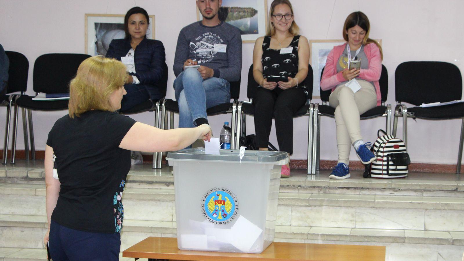 Care este actul principal în baza căruia poți vota în țară?