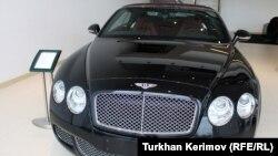 """Мошини Bentley - як аломати шик барои """"ҷавонони тилоӣ"""""""