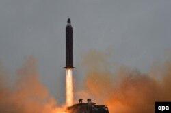 Испытания северокорейской ракеты, способной нести ядерный боезаряд. Август 2016 года