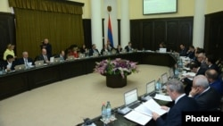 Armenia - A weekly cabinet meeting in Yerevan, 26Mar2015.