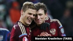 Aleksandr Kokorin (left) and Pavel Mamayev in 2016