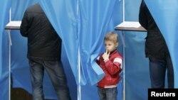 Ucraina: ziua alegerilor în imagini