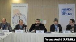 """Tribina """"Posledice migracija zdravstvenih radnika po zdravstveni sistem Srbije"""""""
