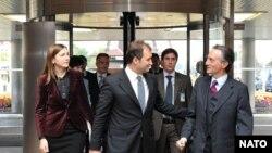 Vlad Filat şi Claudio Bisogniero, Secretarul General adjunct NATO