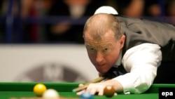 Шестикратный чемпион мира Стив Дэвис остается единственным, кто выиграл финал рейтингового турнира с «сухим» счетом. Кроме того, он больше всех побеждал в чемпионате Соединенного Королевства - тоже шесть раз