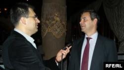 Sinan Ulgen sa novinarom RSE Draganom Štavljaninom