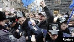 Акція протесту педагогів під будівлею Кабінету Міністрів, 22 березня 2011 року