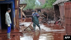 Toxic red sludge swept into several Hungarian towns on October 4.