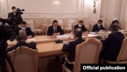 Орусия менен Кыргызстандын тышкы иштер министрлери Казакбаев менен Лавровдун жолугушуусу. 23-октябрь, 2020-жыл.