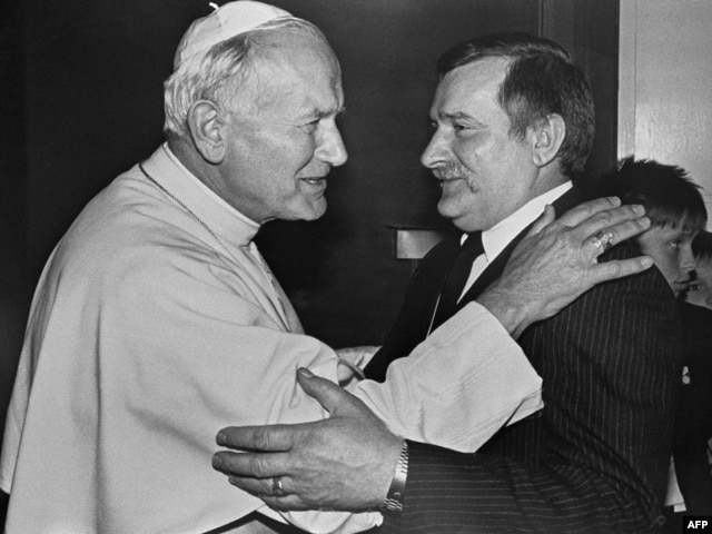 Папа Иоанн Павел II и Лех Валенса. Гданьск, 11 июня 1987 года
