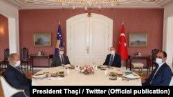 Takimi në mes të presidentit Thaçi dhe Erdogan në Stamboll