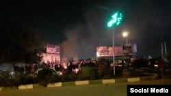 Протесты в Иране против повышения цен на бензин.