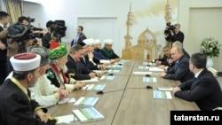 Путинның Казанда мөселман дин әһелләре белән очрашуы, 25 гыйнвар 2017