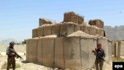 Әфган хәрбиләре талибаннар белән бәрелештән соң. Кандагар, 26 июль 2017 ел