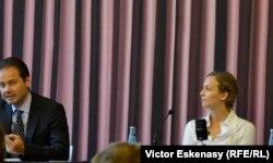 La conferința de presă de la Muzeul Städel