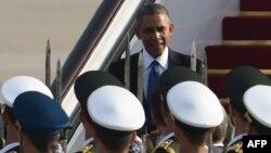 Обама по прибытии в Китай