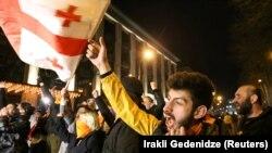 Протест против прибытия в Тбилиси Владимира Познера, 1 апреля 2021 г.