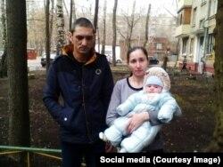 Пять месяцев семья Петровых живет без света и воды, дожидаясь решения прокуратуры
