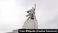 Памятникам не нужно верить - Итоги 2010 года