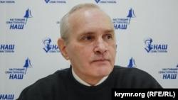 Володимир Новиков