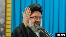 Аятолла Ахмад Хатами выступает во время пятничной молитвы в Тегеранском университете. 11 ноября 2016 года.