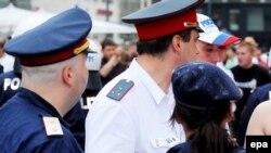 Полиция на улице Вены (иллюстративное фото).
