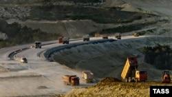 Будівництво об'їзної дороги Дубки-Левадки під Сімферополем, травень 2018 року