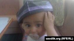 В Узбекистане некоторые родители хотят, чтобы их дети посещали школу в национальных тюбетейках.